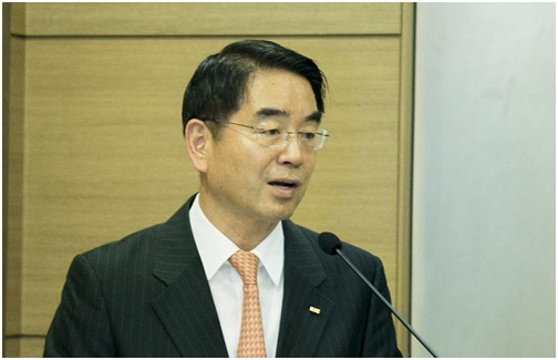 Choi Hee-nam, chief executive of Korea Investment Corp. speaks during a meeting with reporters in Seoul on May 17.