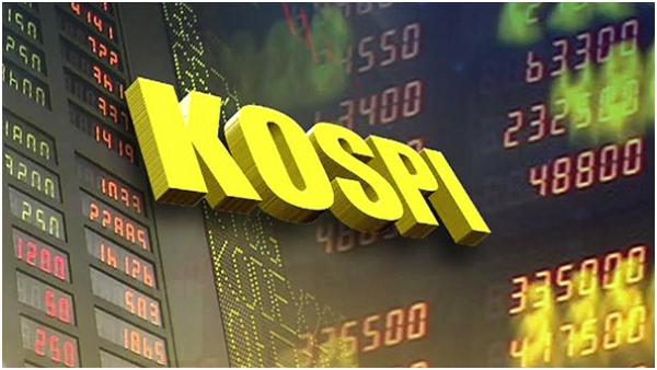 The KOSPI finished down on May 17 on a selling spree after rising in the morning session.