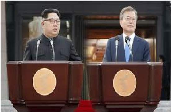 South Korean President Moon Jae-in (right) and North Korean leader Kim Jung-un during a press conference after their first summit at Panmunjeom on April 27.
