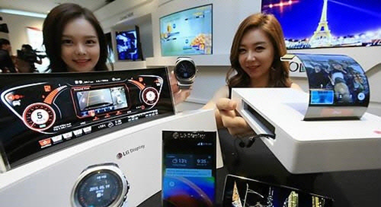 LG Display supplied a total of 10.64 million AMOLED smartwatch display panels last year with a market share of 41.4%.