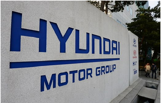 Hyundai Motor's July sales in Chia plunged 40% from a year ago while Kia Motors posted a 30% decrease in sales year on year in the same month.