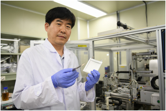 "Lee Sang-min, head of battery research center division at Korea Electrotechnology Research Institute (KERI) plans to develop ""lithium metal secondary battery."""