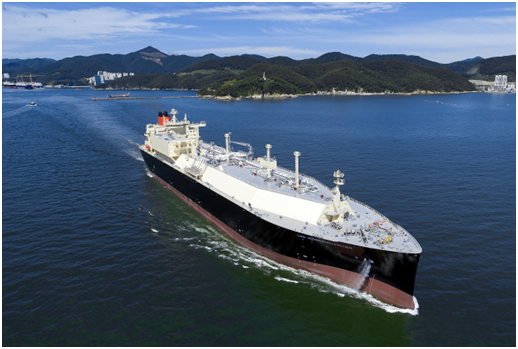 Daewoo Shipbuilding & Marine Engineering (DSME)'s LNG carrier with full re-liquefaction system (FRS) for low-pressure engine applied.