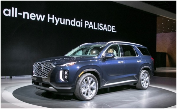 Hyundai Motor S Eight Seat Flagship Suv Palisade On Display At The 2018 L A Auto Show Los Angeles Convention Center In U Nov
