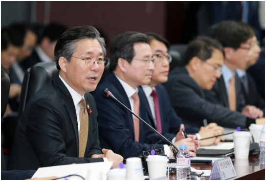 S  Korea Sees Warning Signs for Exports, Economic Growth - 비즈니스