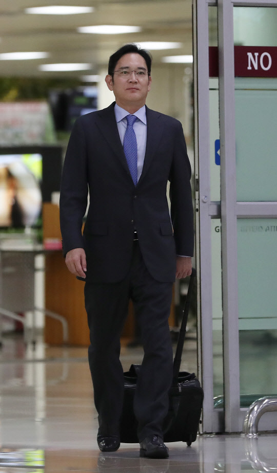 Samsung Electronics vice chairman Lee Jae-yong returned from his business trip to Japan on July 12.